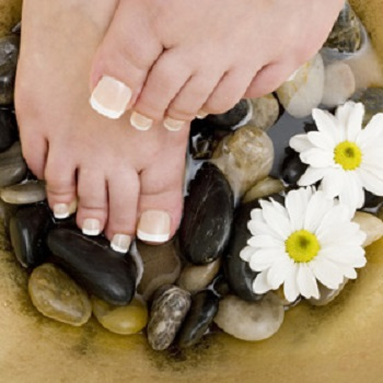 PINKY NAILS & SPA - Pedicures